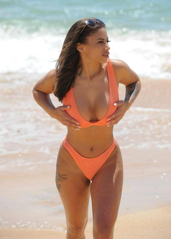 Kayleigh Morris Hot Body In Bikini