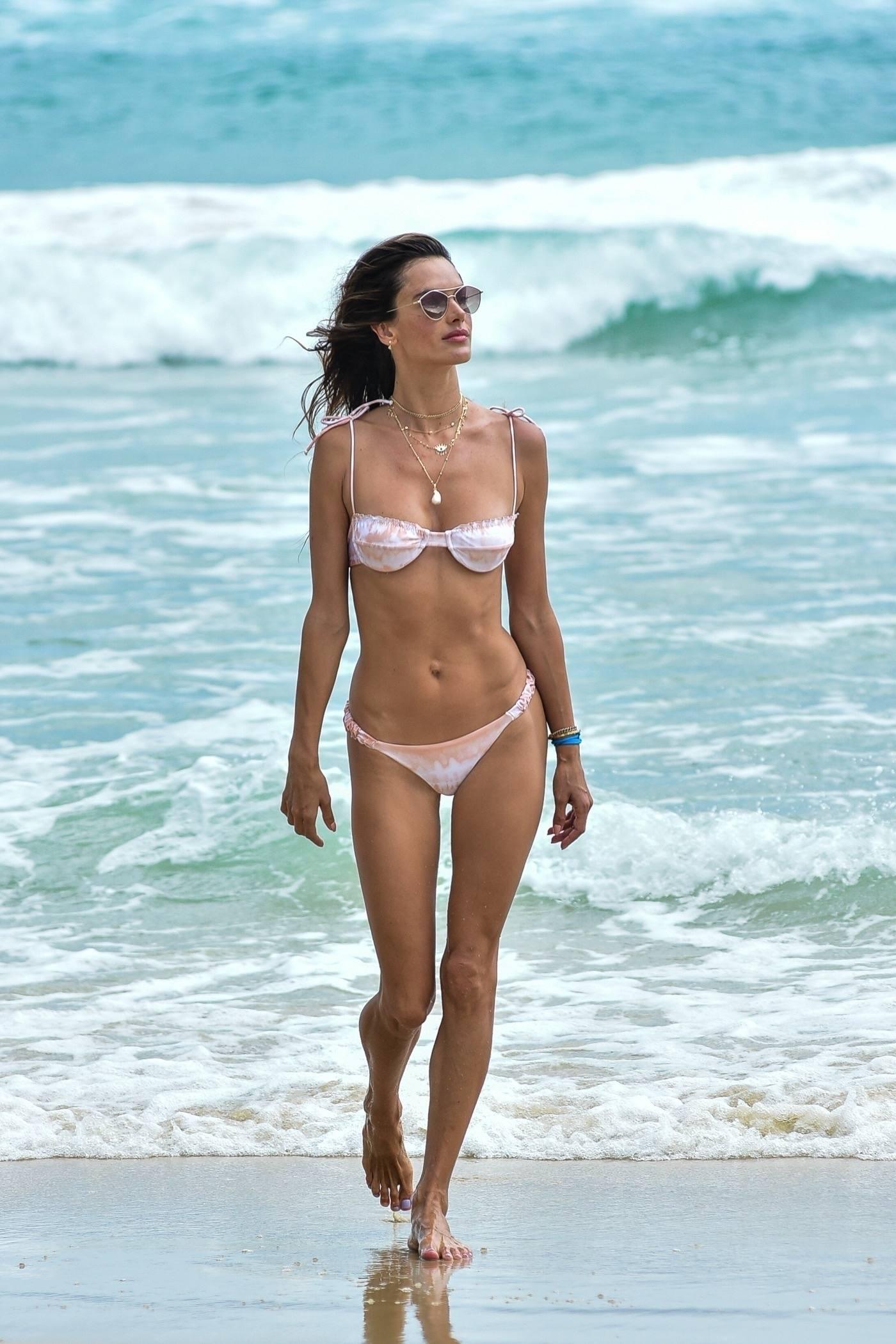 Alessandra Ambrosio In Tiny Bikini