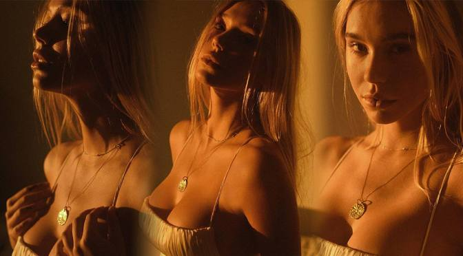 Alexis Ren – Fantastic Boobs in a Sexy Photoshoot by Melissa Cartagena
