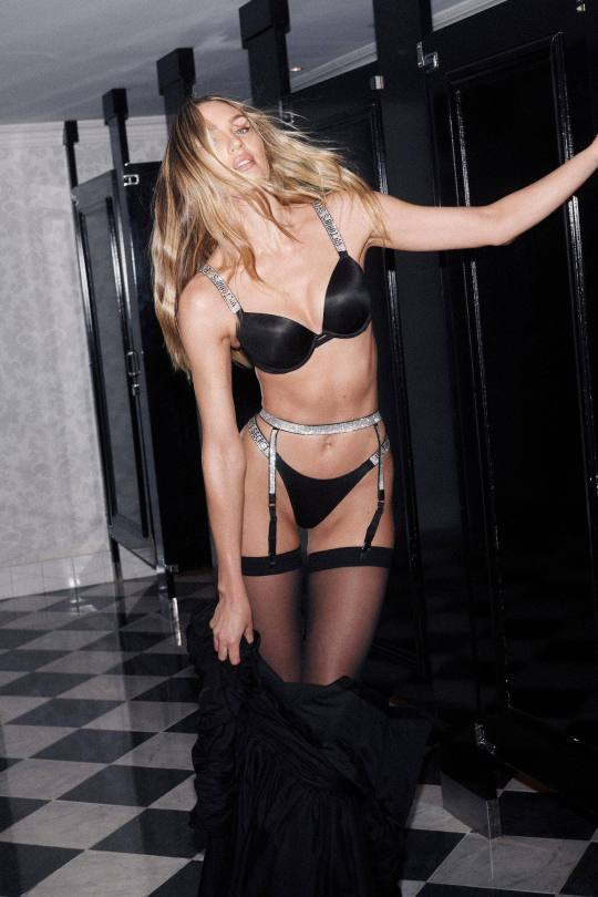 Candice Swanepoel Sexy In Lingerie