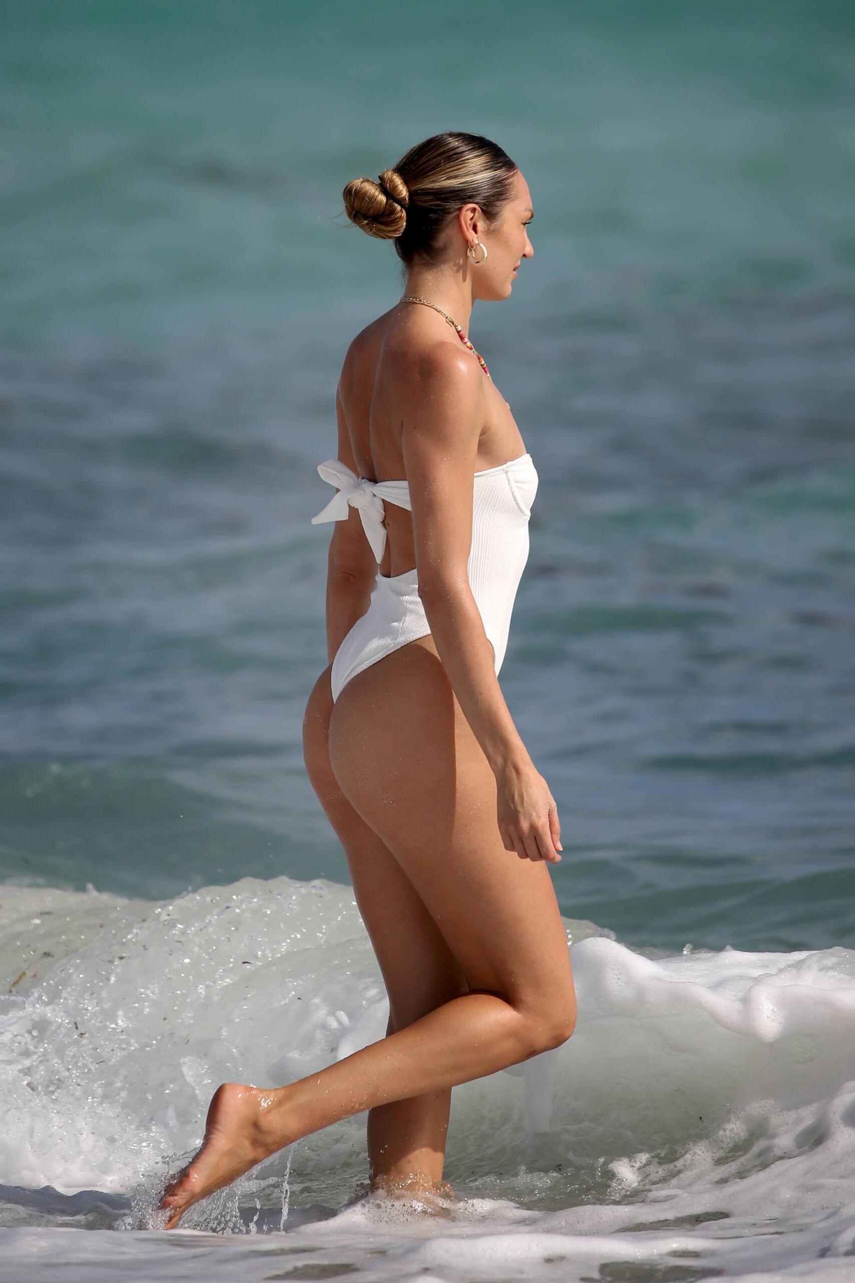 Candice Swanepoel In Swimsuit
