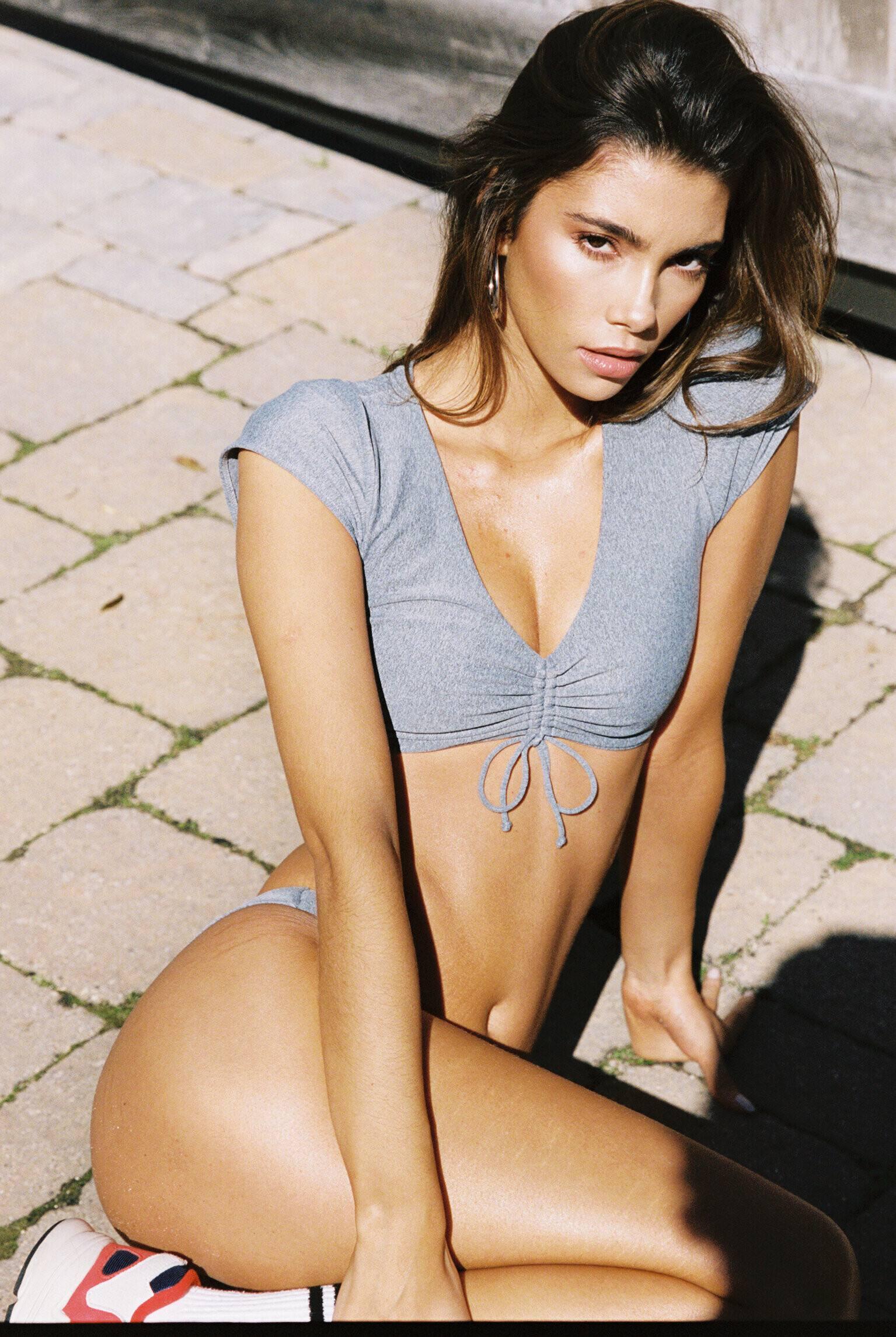 Cindy Mello Sexy Body