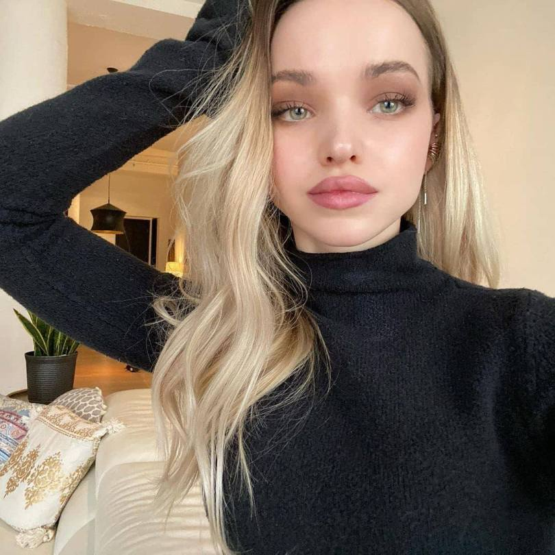 Dove Cameron Pretty