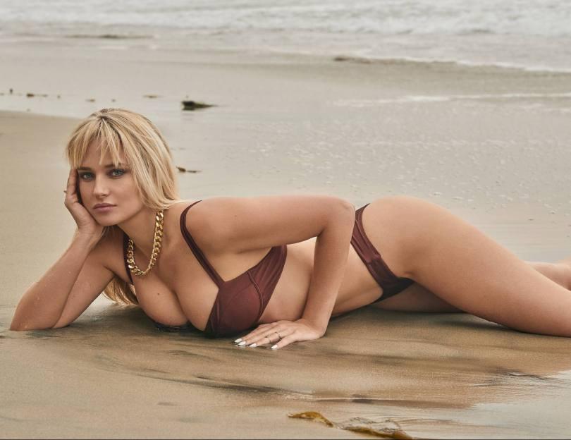 Genevieve Morton Sexy Boobs