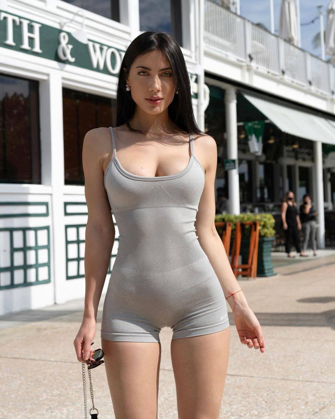 Georgina Mazzeo Fantastic Body