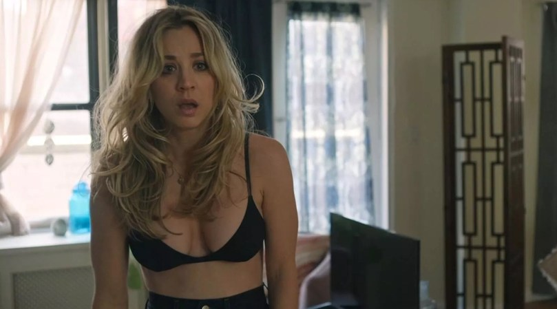 Kaley Cuoco Sexy In Bra