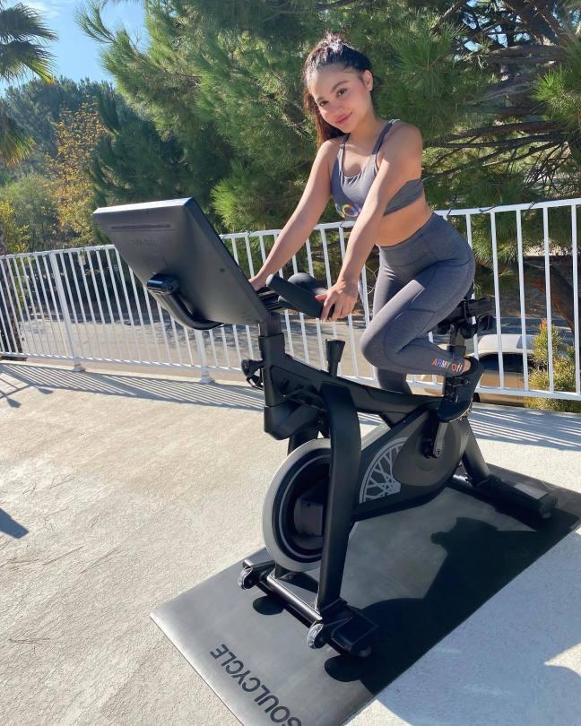 Stella Hudgens Sexy Workout