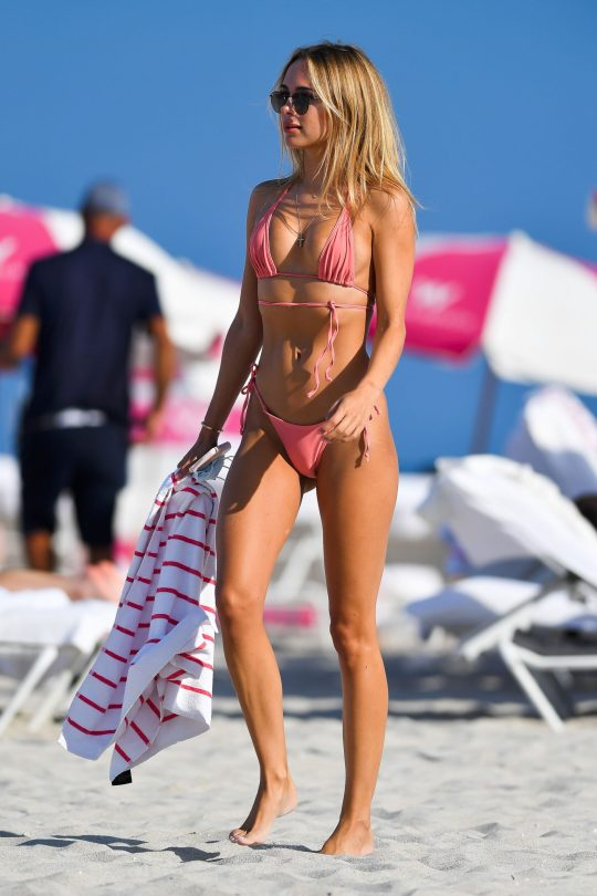 Kimberley Garner - Flawless Body in a Tiny String Bikini on the Beach in Miami