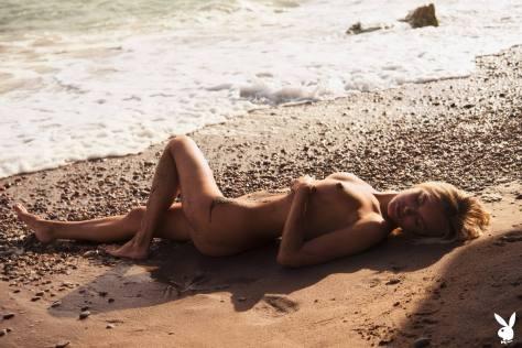 Alberte Valentine Naked