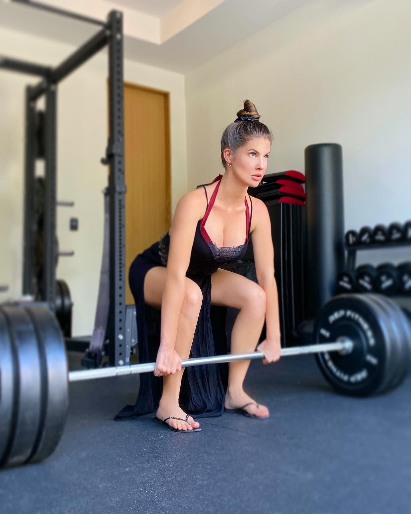 Amanda Cerny Sexy In Gym
