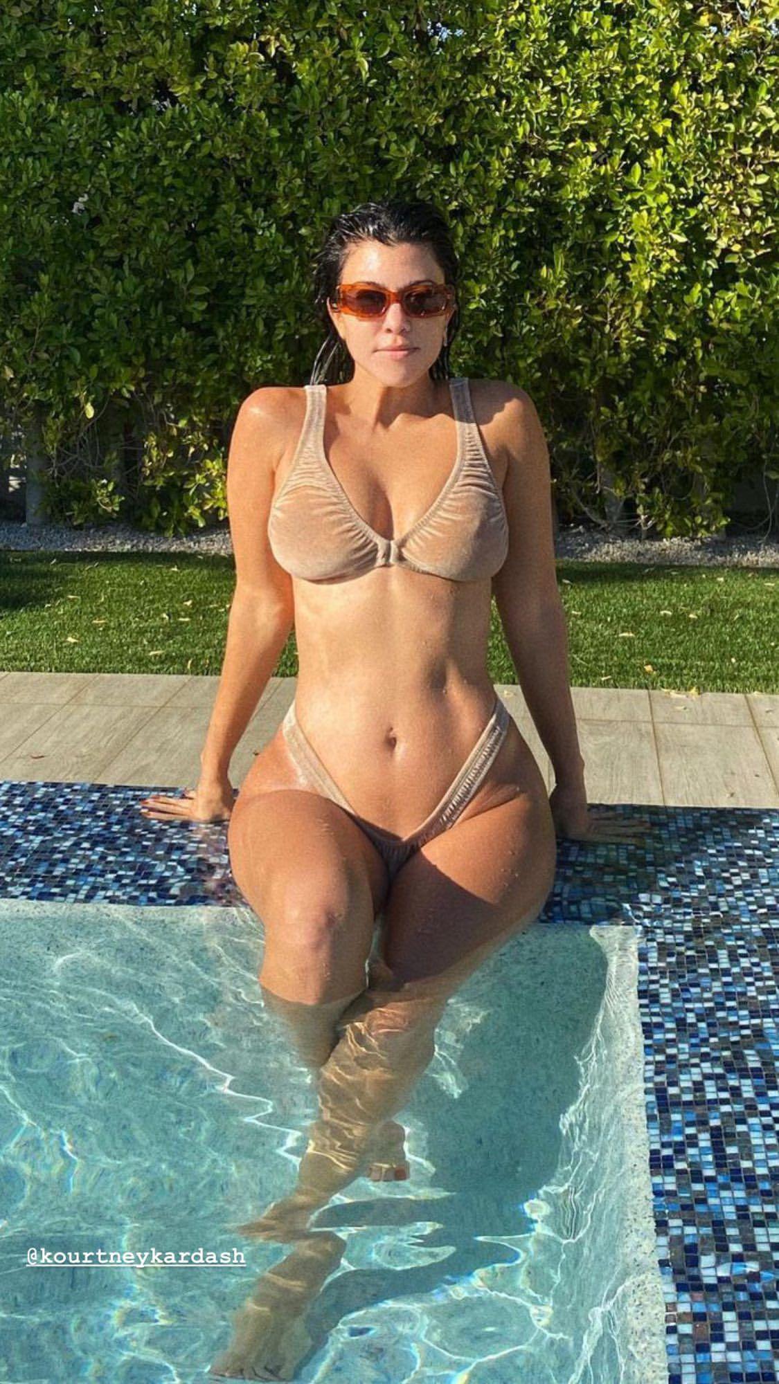 Kourtney Kardashian Sexy In Tiny Bikini