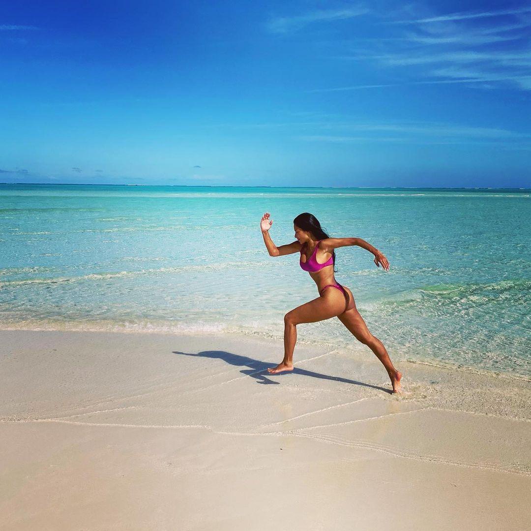 Nicole Scherzinger On The Beach