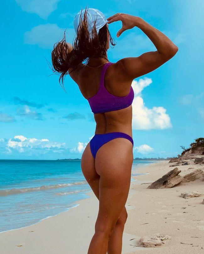 Nina Agdal Hot Ass In Tiny Bikini