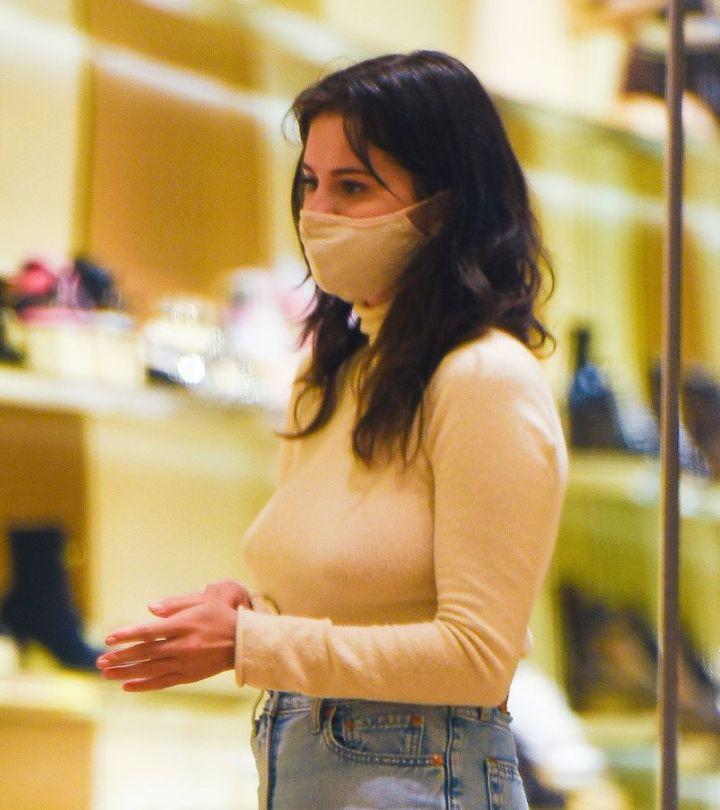 Selena Gomez Braless Breasts