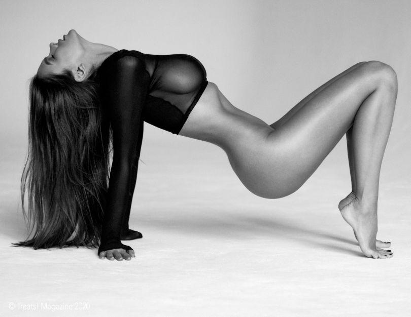 Viki Odintcova Topless