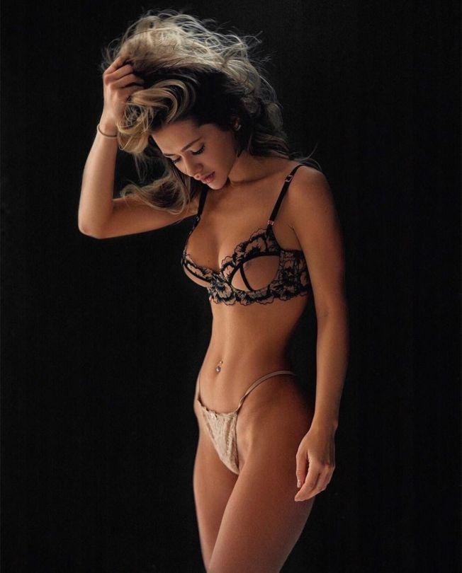 Vladislava Kamynina Sexy Lingerie