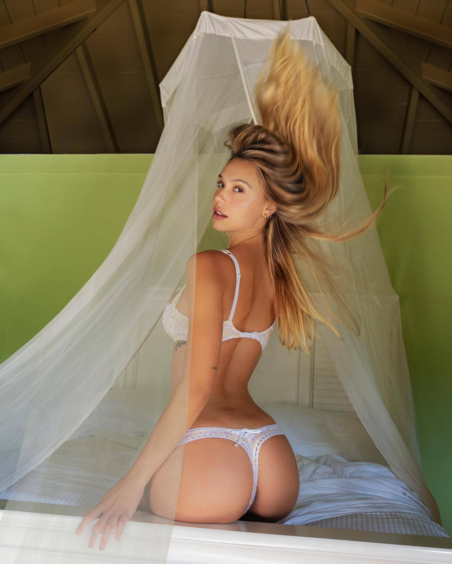 Alexis Ren Spectacular Ass In Thong