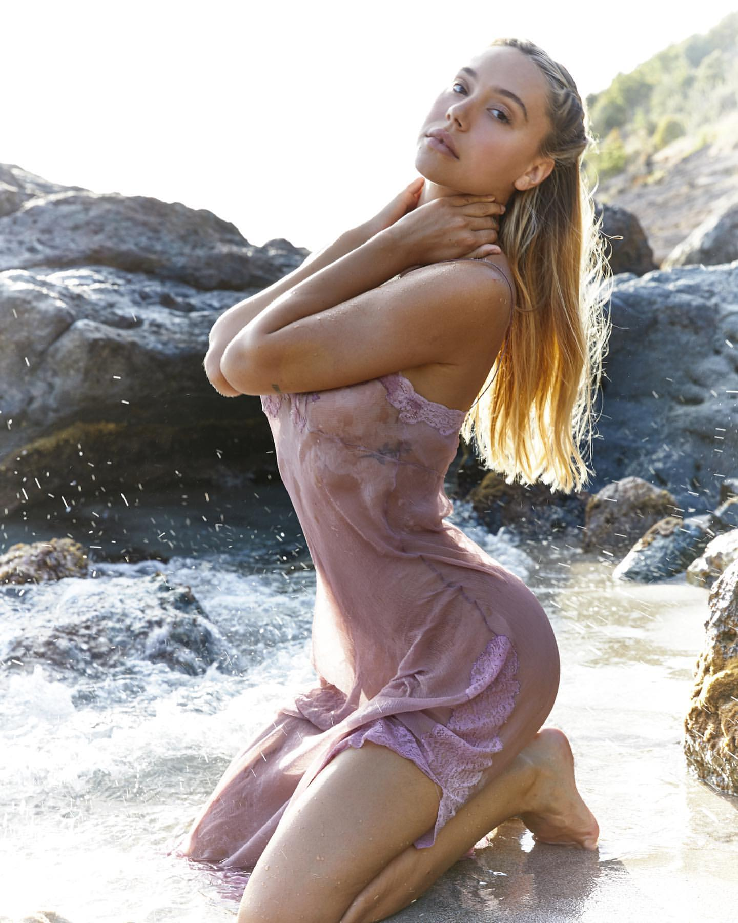 Alexis Ren Fantastic Body