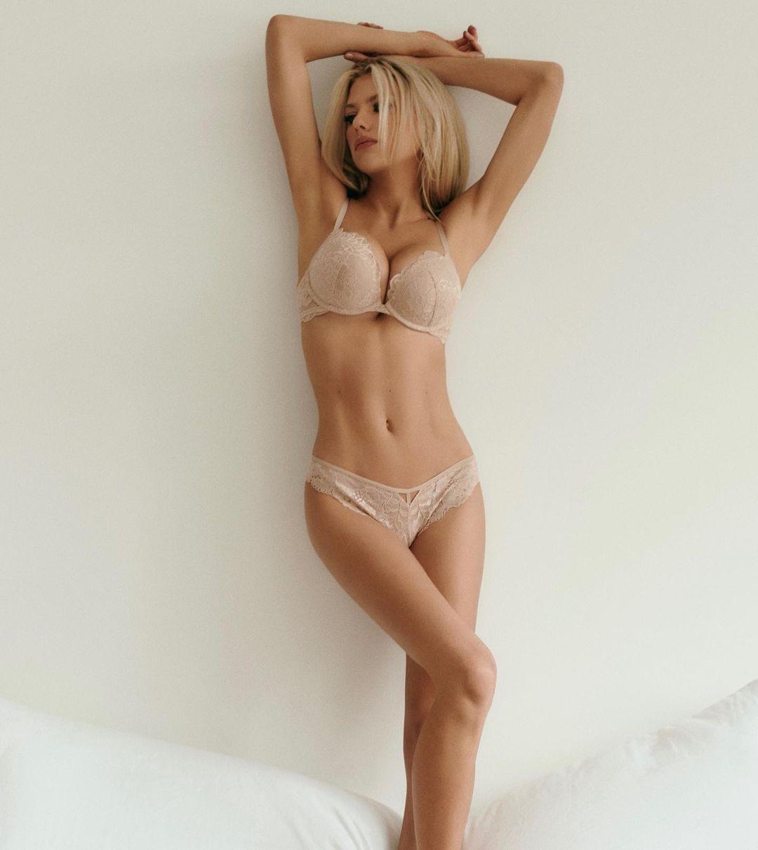Charlotte Mckinney Sexy In Bra And Panties