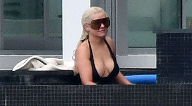 Christina Aguilera – Sexy Boobs in a Revealing Swimsuit in Miami