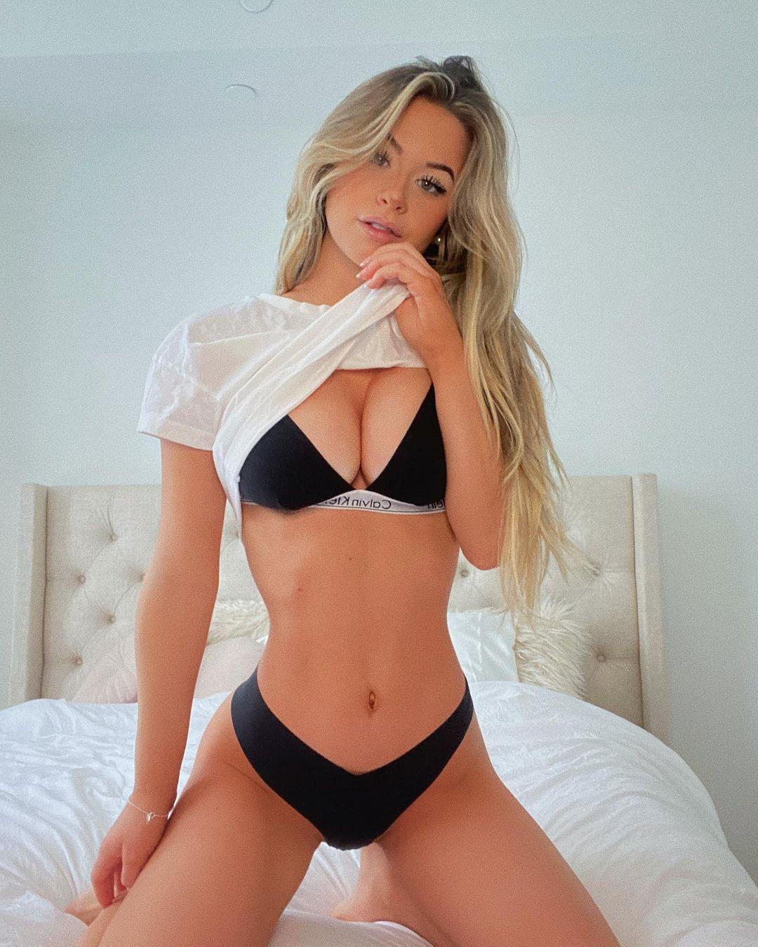 Emily Elizabeth Beautiful Boobs