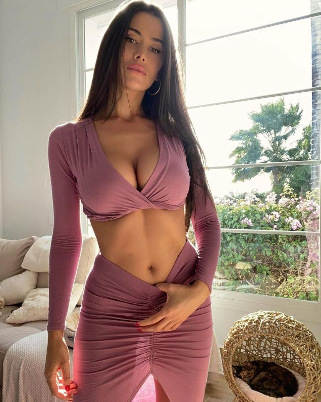 Eva Padlock Fantastic Body