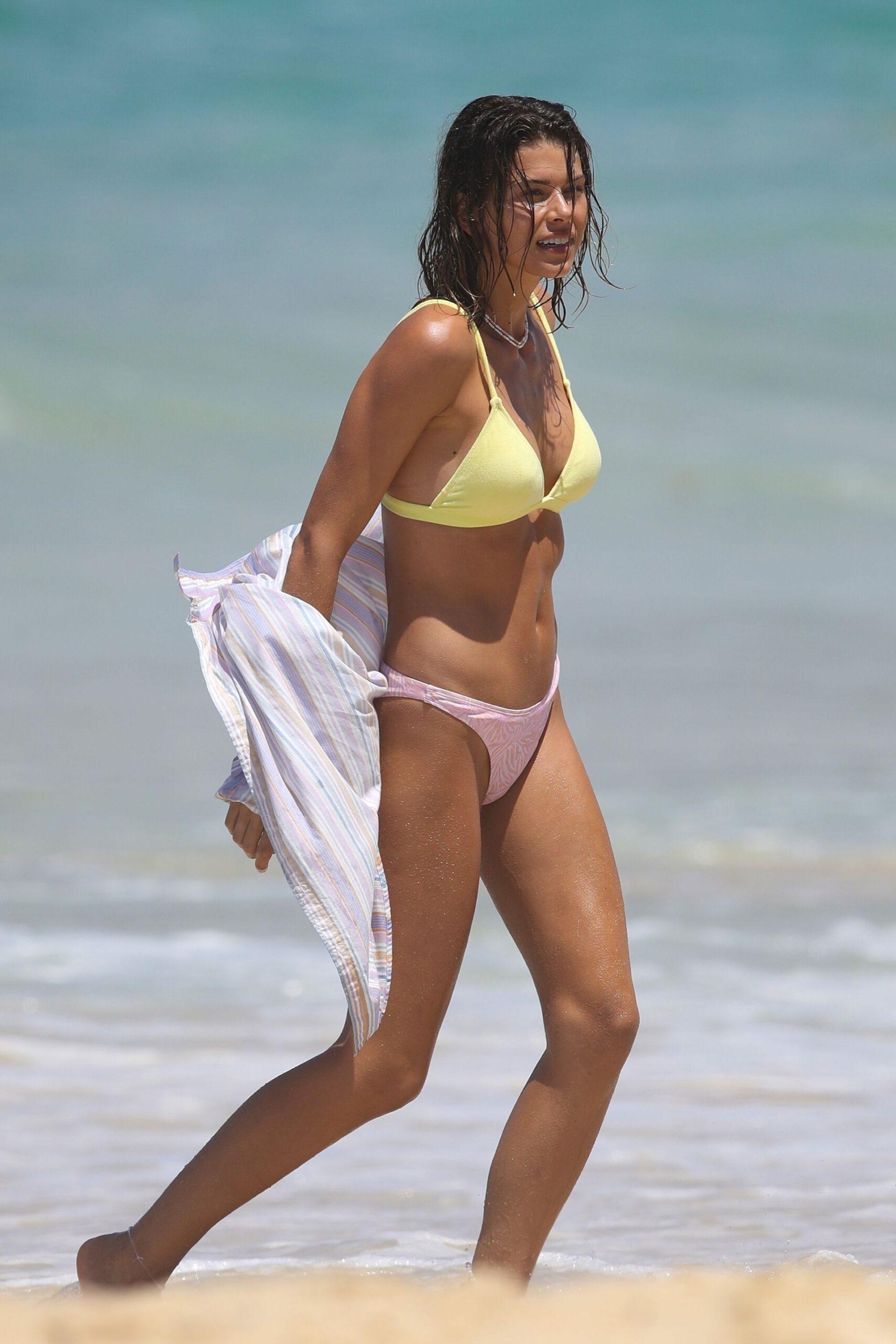 Georgia Fowler Beautiful In Bikini