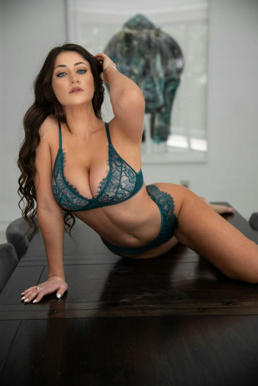 Jessica Bartlett Sexy In Lingerie