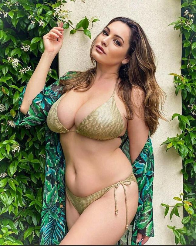 Kelly Brook Fantastic Boobs