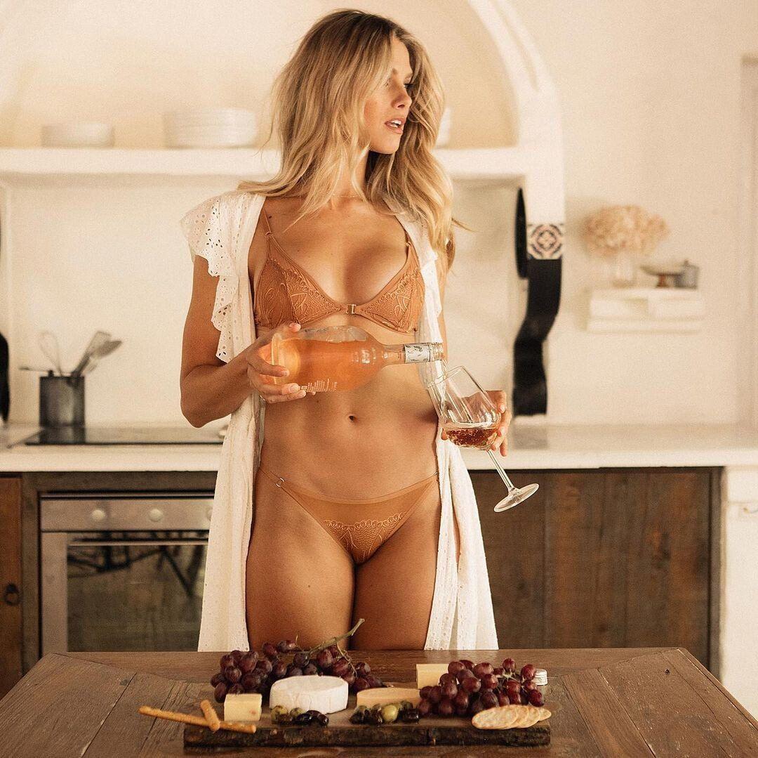 Natalie Jayne Roser In Underwear