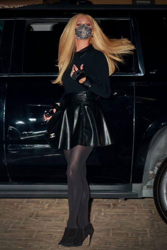 Paris Hilton Sexy Legs