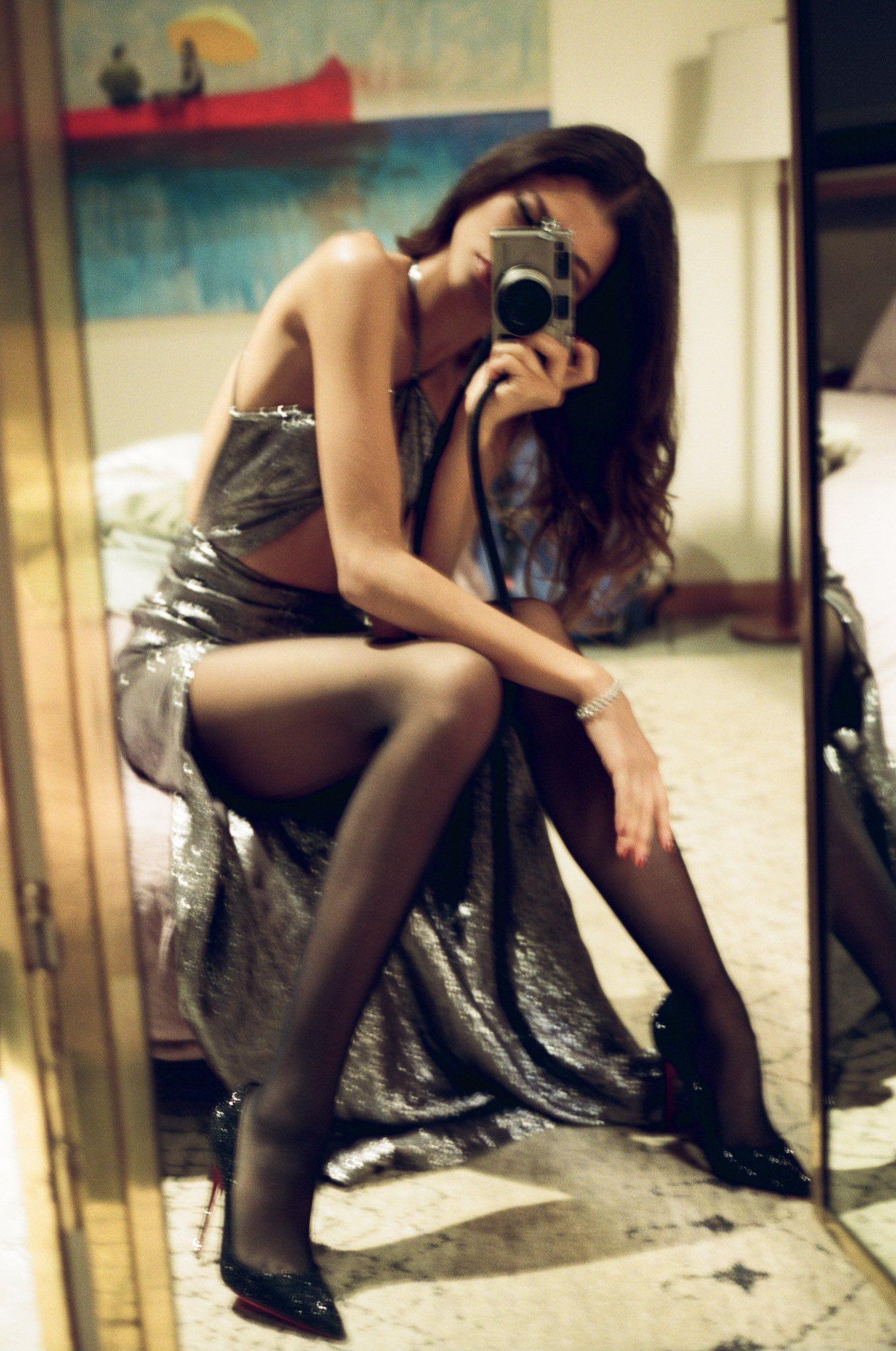Zendaya Sexy Legs