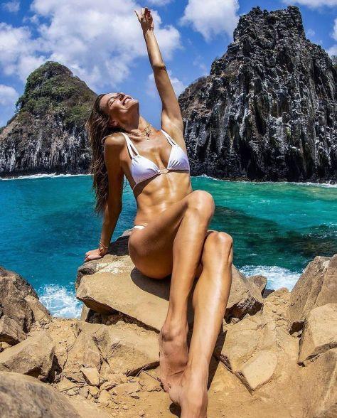Alessandra Ambrosio Magnificetn Body In Bikini