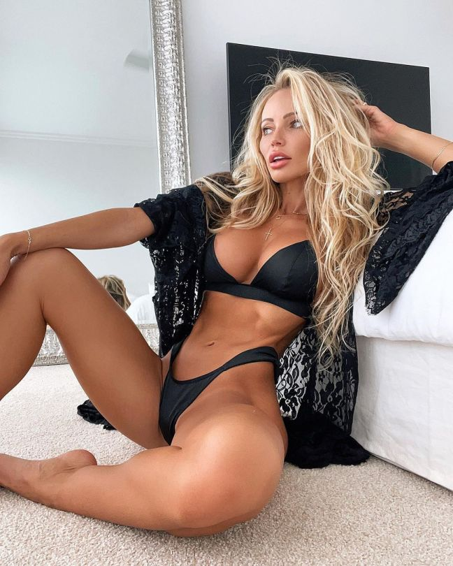 Abby Dowse Hot Body