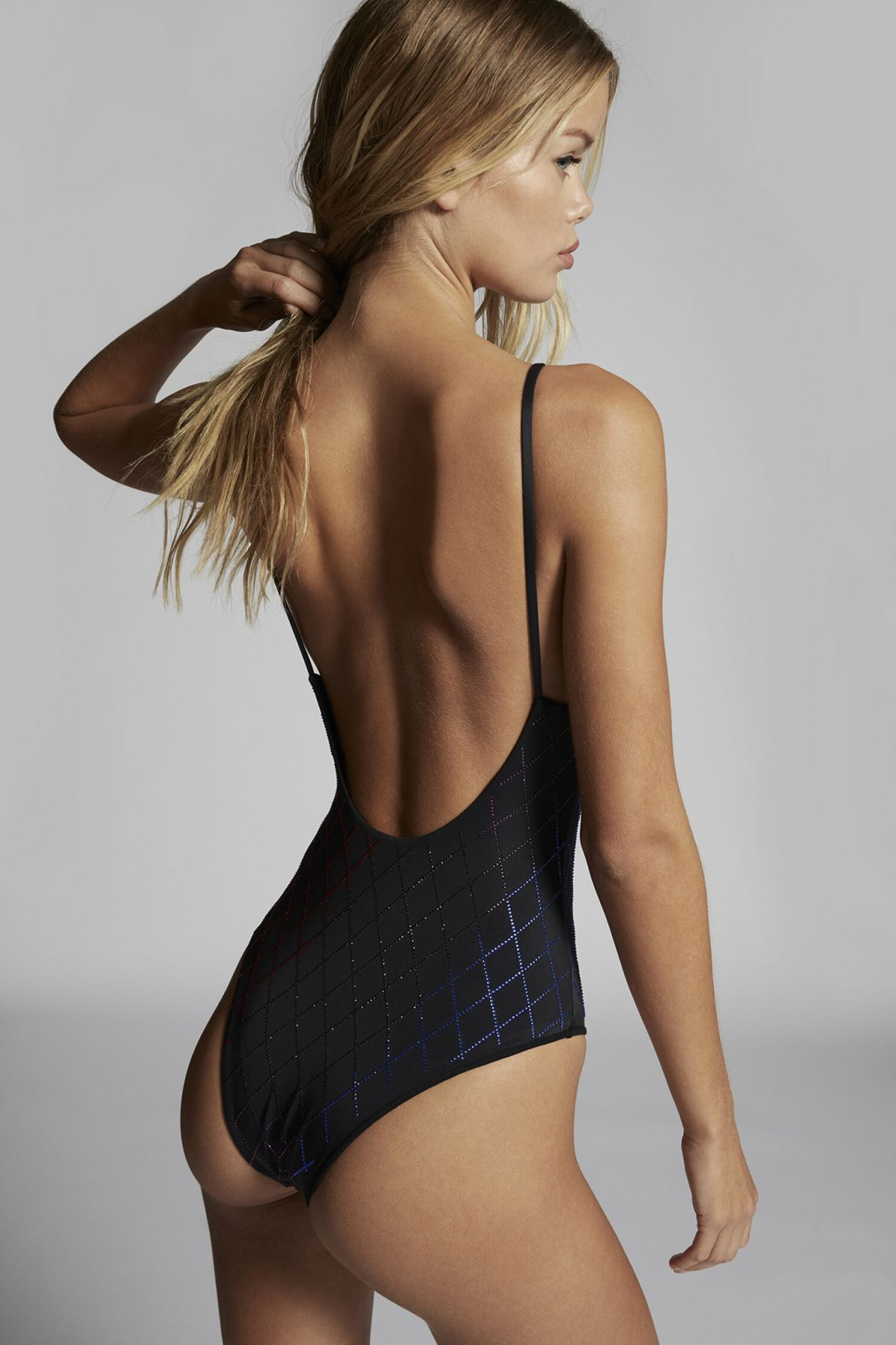 Frida Aasen Sexy Body