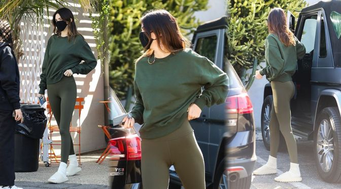 Kendall Jenner – Sexy in Tight Leggings Out in West Hollywood