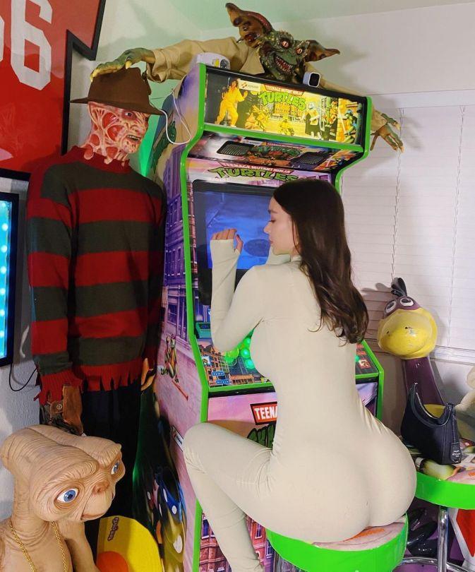 Sophie Mudd Big Ass