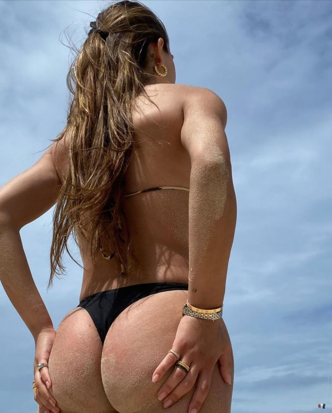 Amelia Gray Hamlin Great Ass In Bikini
