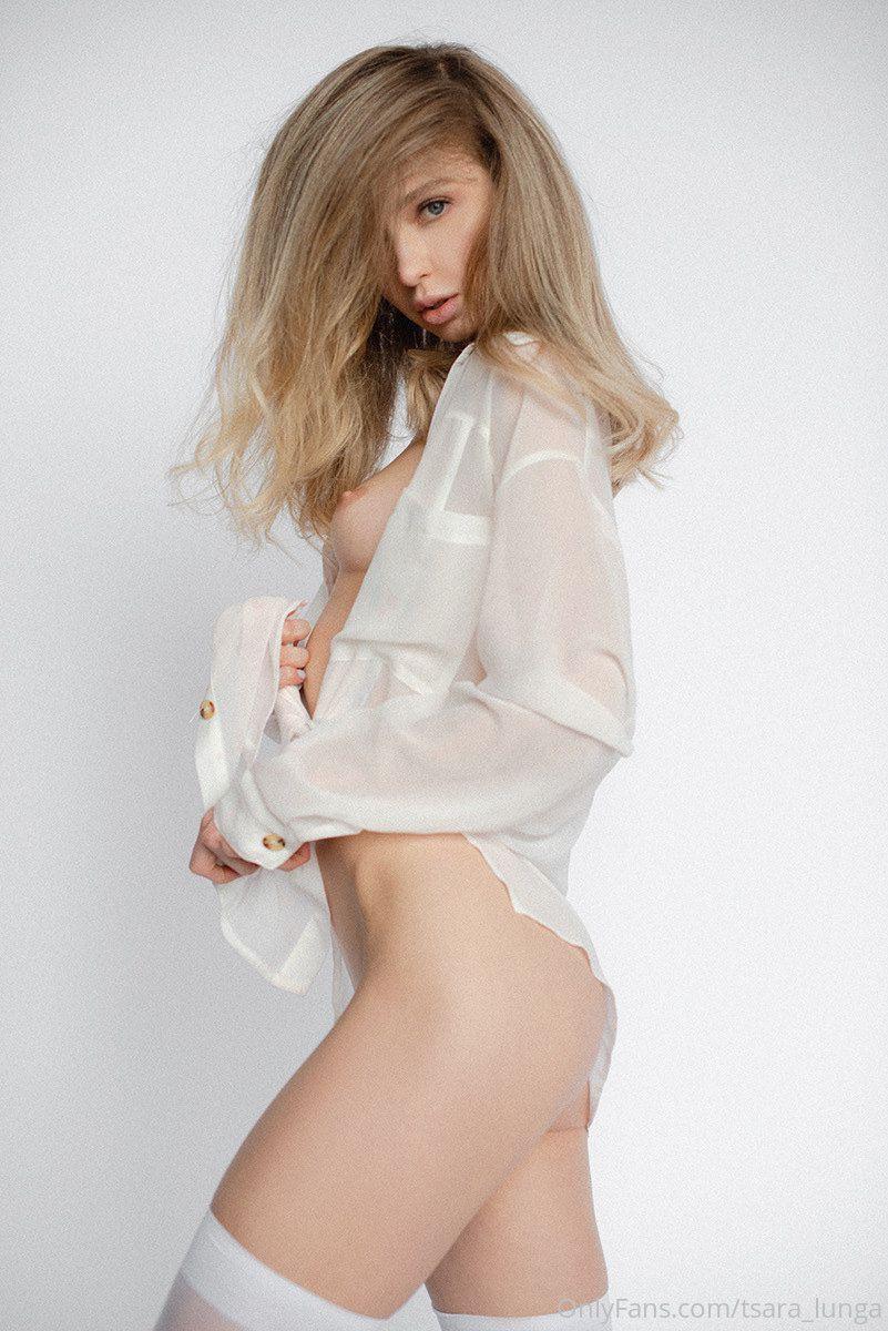 Anna Tsaralunga Full Frontal Nudity