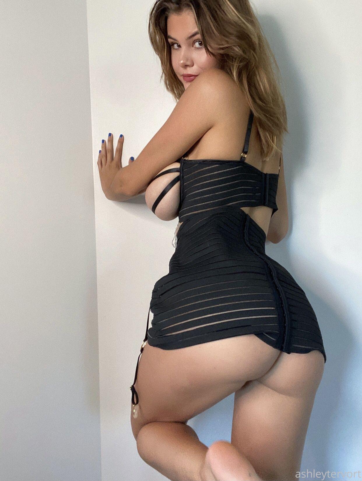 Ashley Tervort Spectacular Boobs