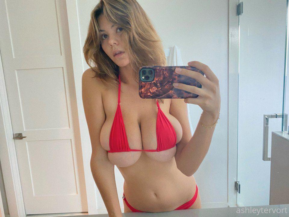Ashley Tervort In Tiny Bikini