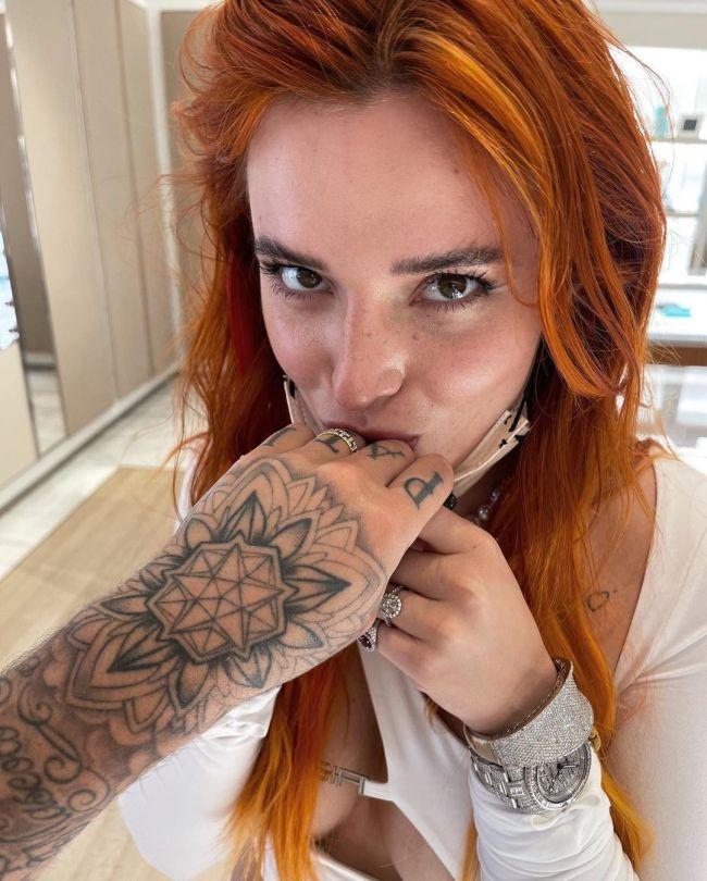 Bella Thorne Hot Pic