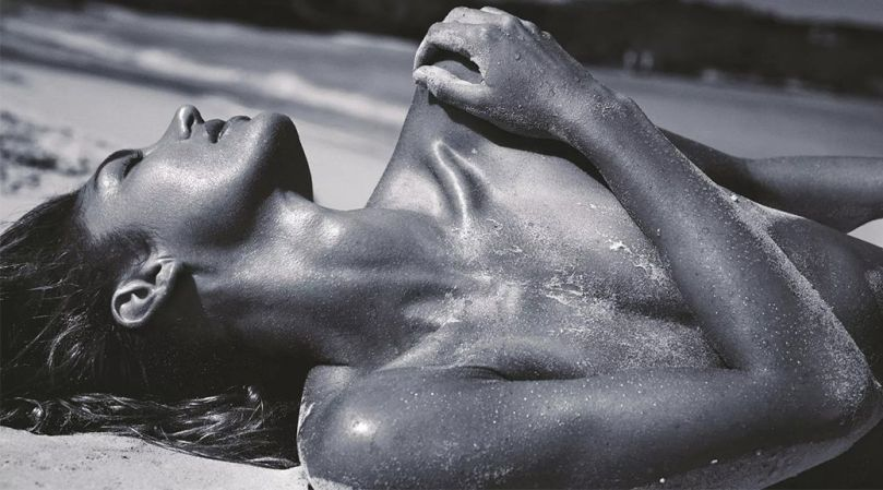 Candice Swanepoel Topless Pics