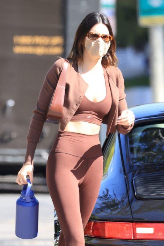 Kednall Jenner Sexy Fit Body