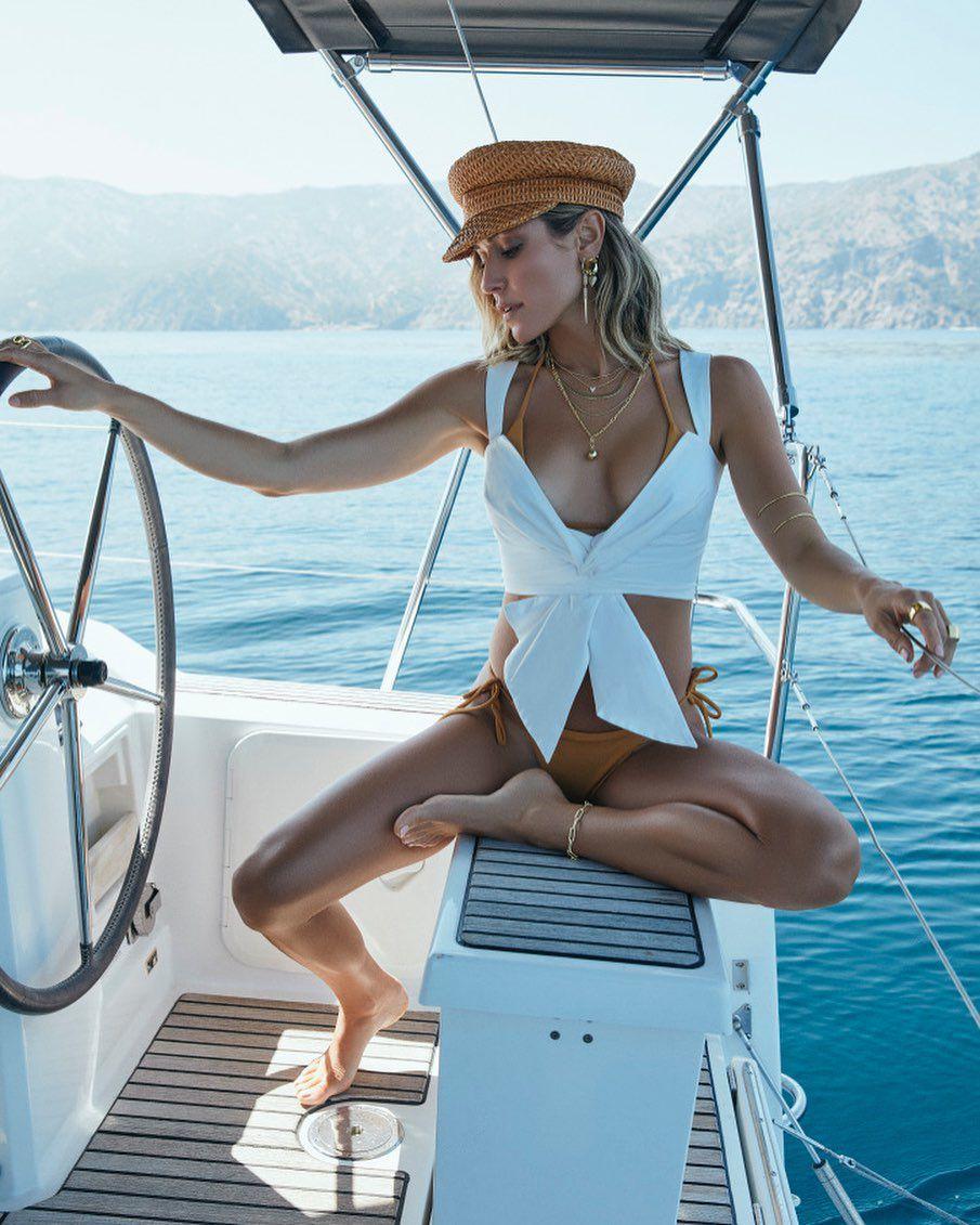 Kristin Cavalari Sexy In Bikini