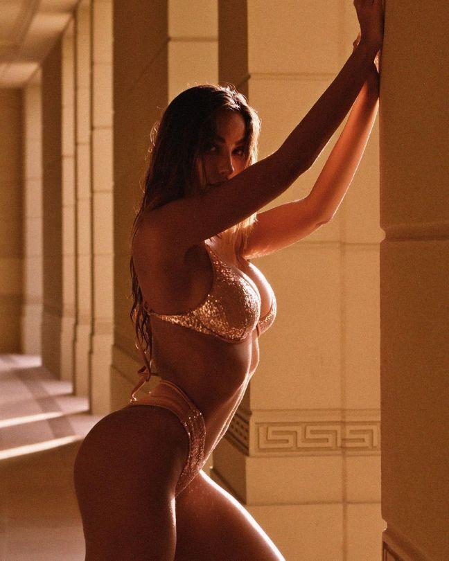 Madalina Diana Ghenea Stunning Body