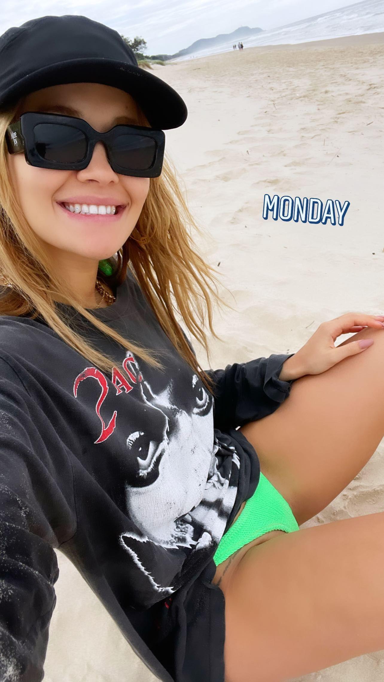 Rita Ora Sexy On Beach