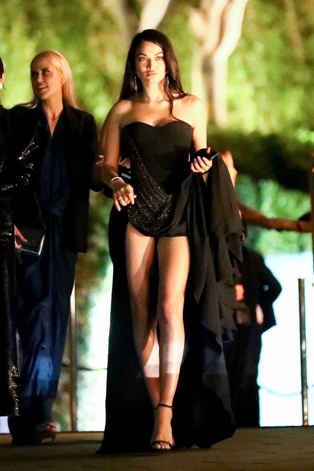 Shanina Shaik Gorgeous Legs