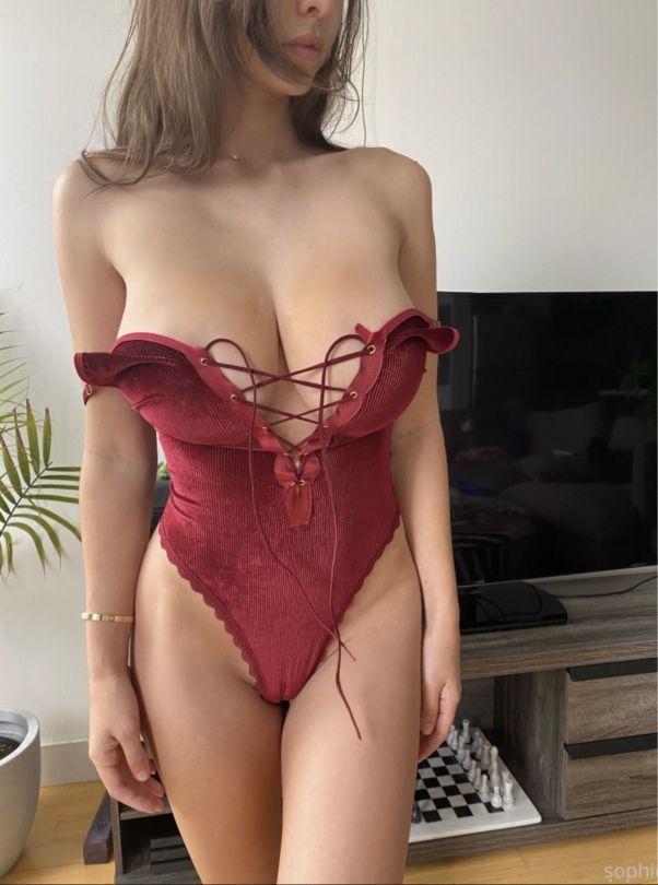 Sophie Mudd Beautiful Boobs