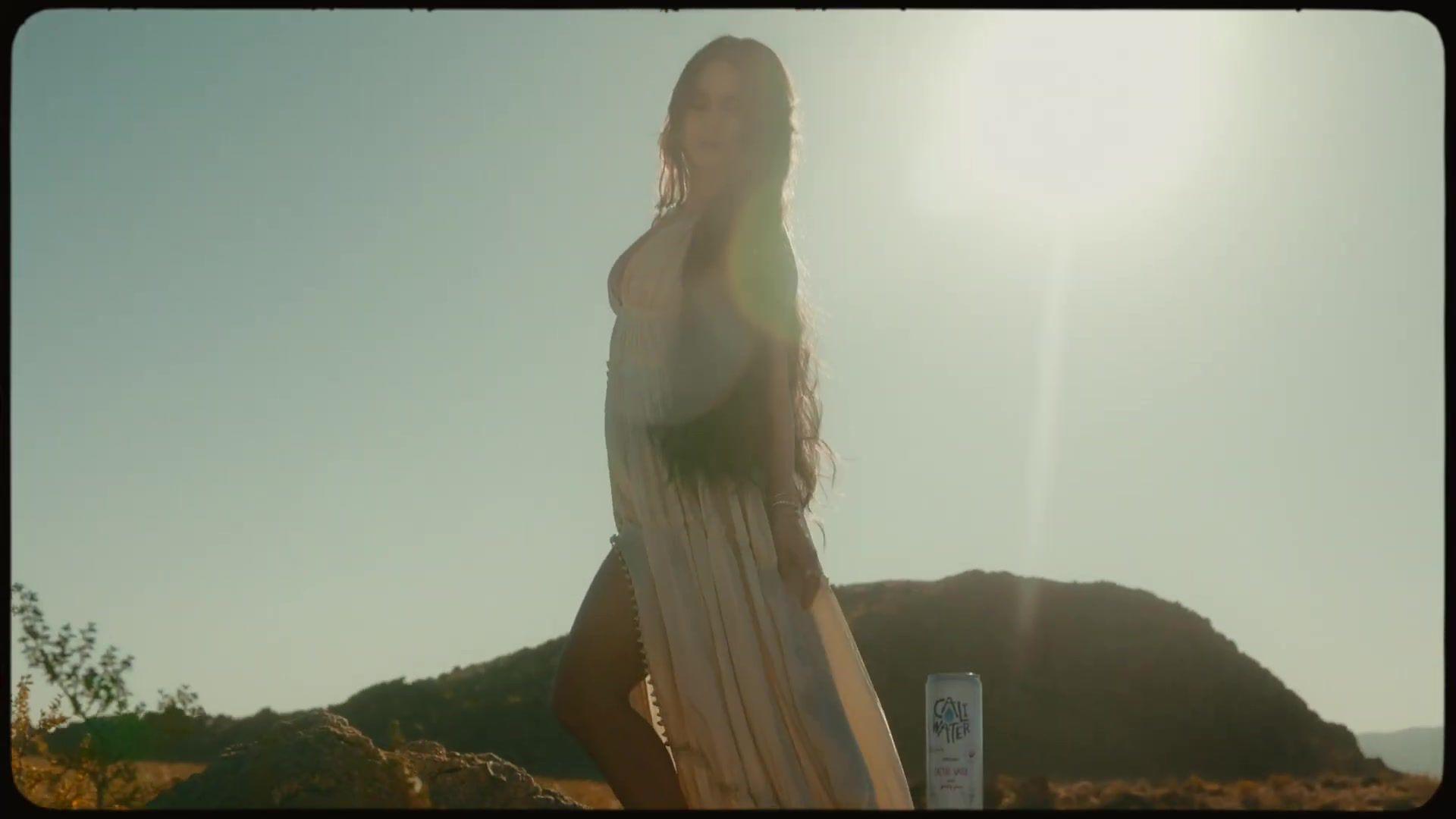 Vanessa Hudgens Sexy Body
